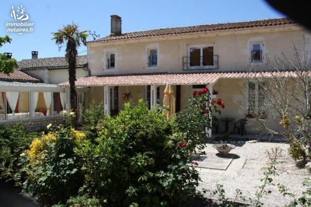 Vente - Maison - Civrac-en-Médoc - 300.00m² - 11 pièces - Ref : 100/819