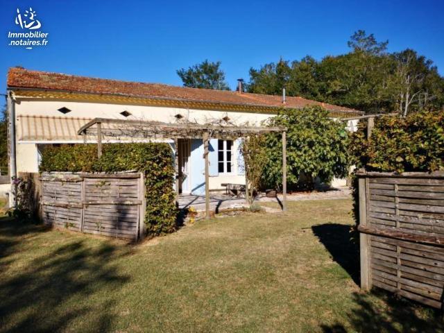 Vente - Maison - Lesparre-Médoc - 259.15m² - 6 pièces - Ref : 100/681