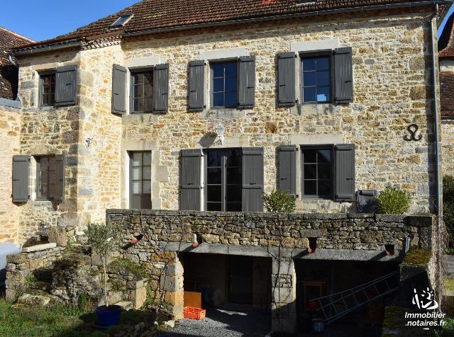 Vente - Maison - Figeac - 125.00m² - 5 pièces - Ref : 46055/MAIS/897