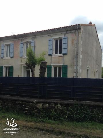 Vente - Maison - Saint-Hilaire-la-Palud - 220.00m² - 12 pièces - Ref : 79003/119