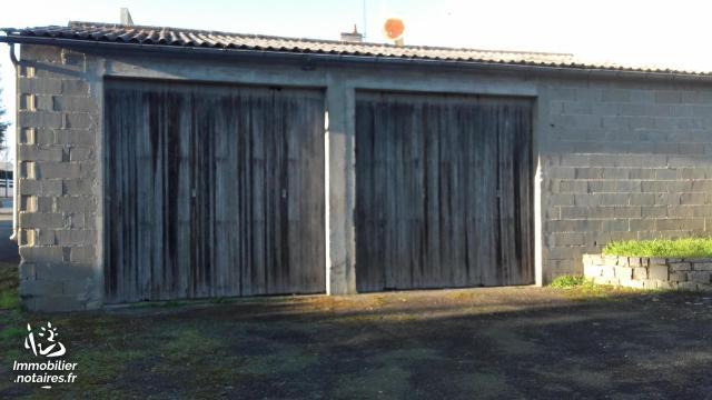 Vente - Garage - Nueil-les-Aubiers - Ref : AGM 00104