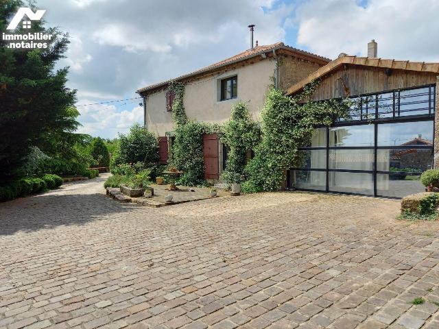 Vente - Maison - Bressuire - 128.0m² - 14 pièces - Ref : 79029/AGM 368*