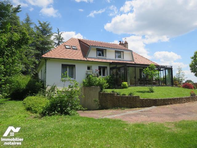 Vente - Maison - Thuré - 160.0m² - 9 pièces - Ref : 86024/86024-MAIS2047