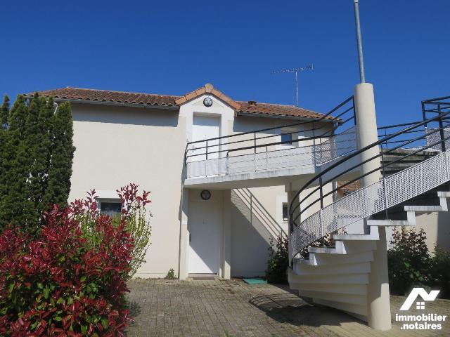 Location - Appartement - Scorbé-Clairvaux - 2 pièces - Ref : 86024/86024-APPT2036