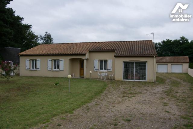 Vente - Maison - Dangé-Saint-Romain - 136.0m² - 7 pièces - Ref : 86027/14708/24
