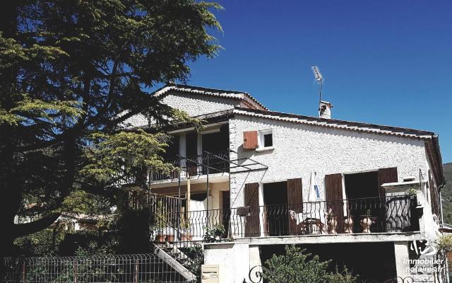 Vente - Maison - Banon - 140.00m² - 7 pièces - Ref : BAN-ZAB