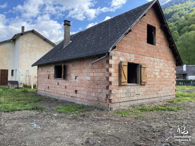 Vente - Maison - Saint-Mamet - 140.0m² - 4 pièces - Ref : 052/324