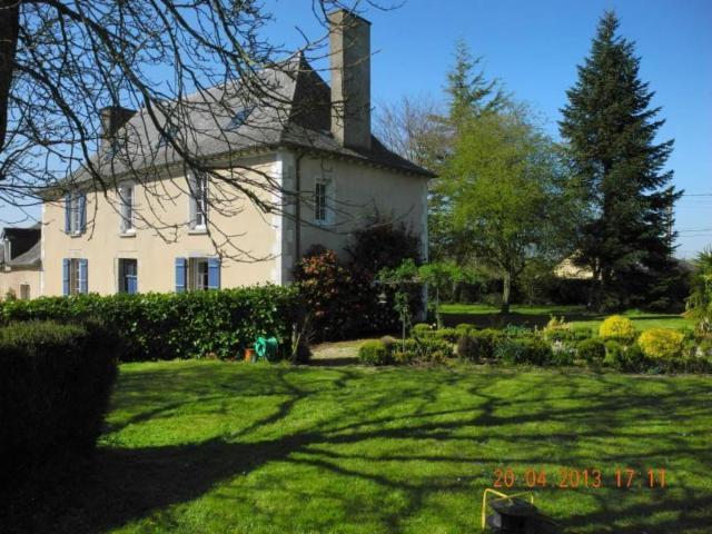 Vente - Maison / villa - LE CROUAIS - 230 m² - 9 pièces - 133/1038