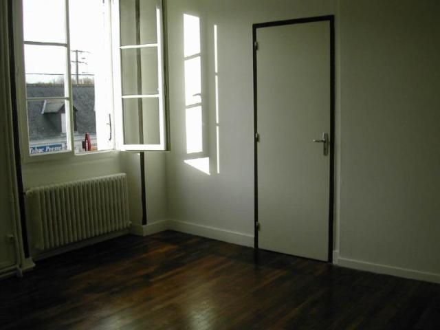 Location - Appartement - Chanceaux-sur-Choisille - 41.00m² - 3 pièces - Ref : 044/485