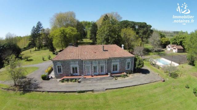 Vente - Maison - Saint-Paul-lès-Dax - 450.0m² - 12 pièces - Ref : 023M2046