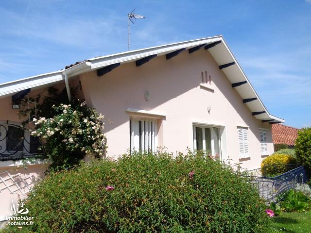Vente - Maison - Dax - 110.00m² - 4 pièces - Ref : 023M2119