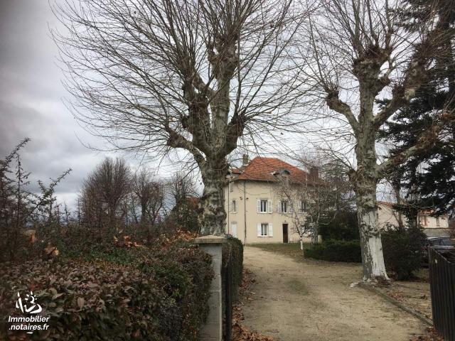 Vente - Maison - Saint-Romain-le-Puy - 253.00m² - 10 pièces - Ref : 090/370