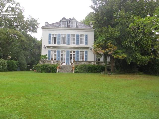 Vente - Maison - Pau - 285.0m² - 10 pièces - Ref : 005/M/1558