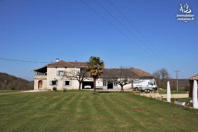 Vente - Maison - Brassac - 230.0m² - 7 pièces - Ref : 038/568