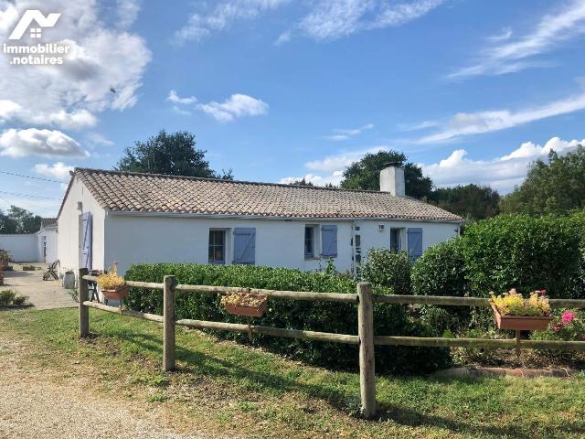 Vente - Maison - Garnache - 220.0m² - 9 pièces - Ref : 998/M/1437